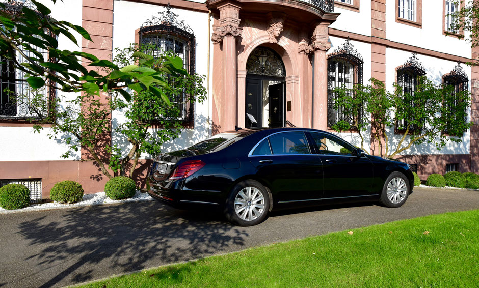 Limousinenservice, Limousinen-Service, Chauffeurservice, Chauffeur-Service, City to City, Flughafentransfer, Roadshow, Flughafen-Transfer, Mercedes S-Klasse, First-Class, Business-Class, Business-Van