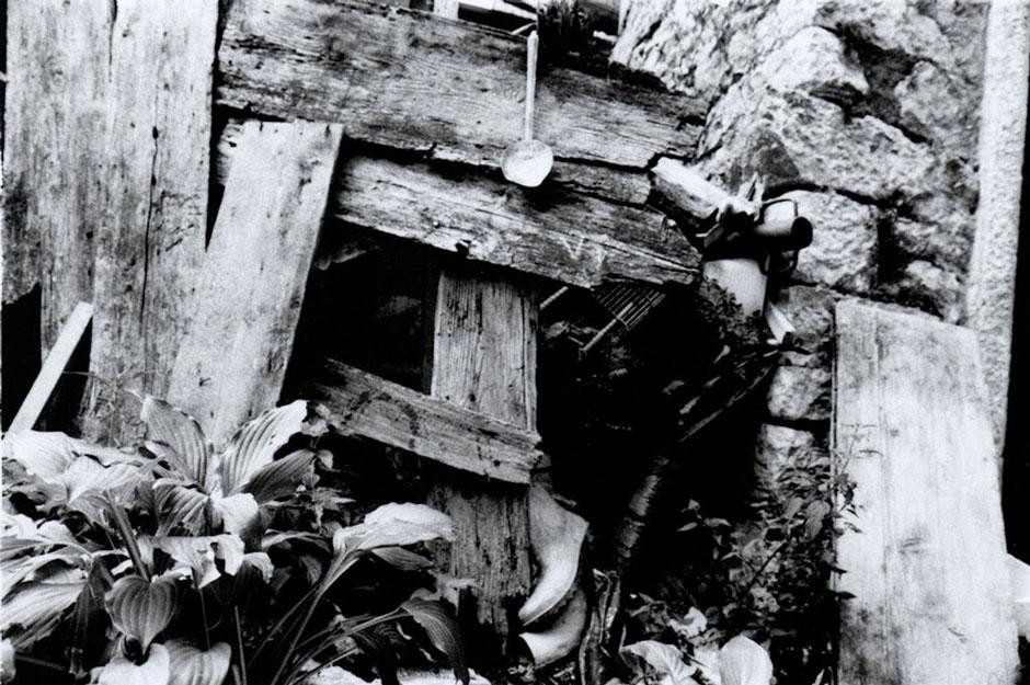 Delphicaphoto Foto del Vajont, reportage femminile visitando i luoghi della tragedia