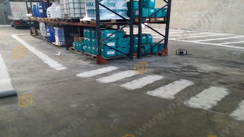 Grupo Pavin - Pavimentos Industriales | Realiza señalización vial y peatonal en los sectores industriales químicos con entornos exigentes