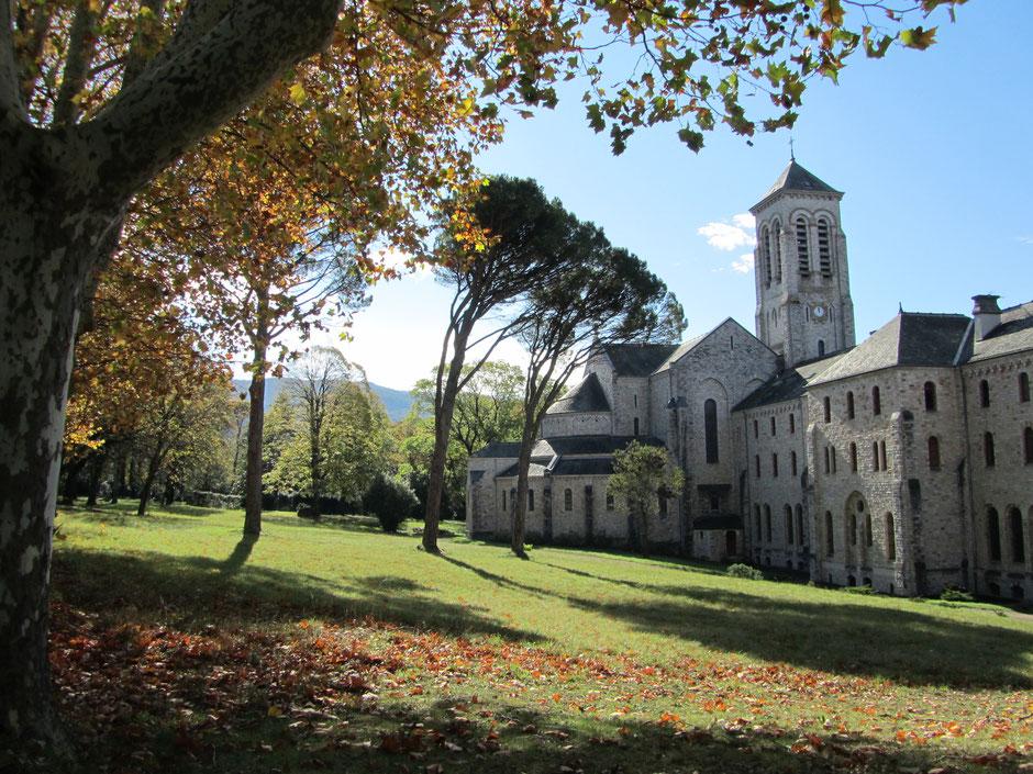 Abbaye d'En Calcat, Sainte-Scholastique à Dourgne en Montagne Noire, moine, monastère, Dom Robert, Aubusson, tapisserie, que faire à Puylaurens, que faire à Dourgne