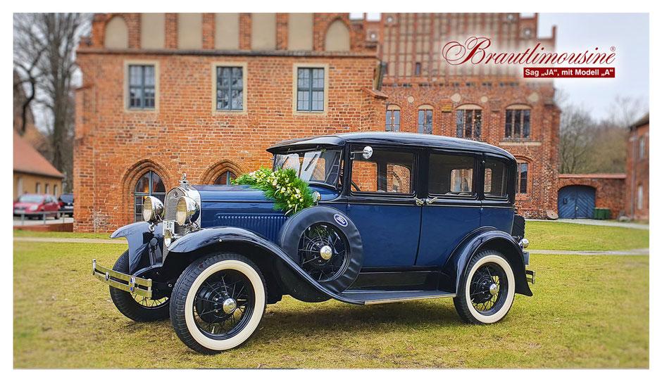 """Ford Model """"A"""" Town Sedan, in dunkelblau , Bj. 1930"""