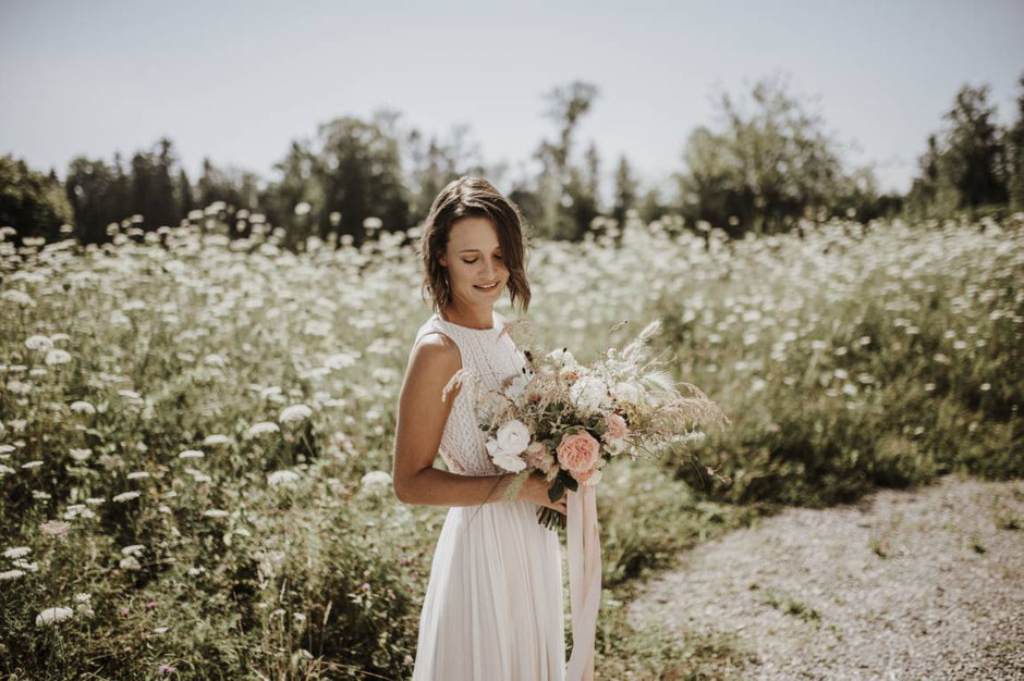 nachhaltige Bio Brautkleider aus Hannover, fair und vegan - NEU! Brautkleider 2020 - Die neue elementar Brautkollektion NO FAIRY TALE besticht durch natürliche Lässigkeit und nachhaltige Materialien.