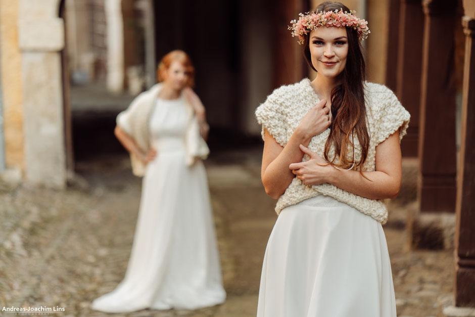 kuschlige Brautstola oder Brautweste für die Winterhochzeit