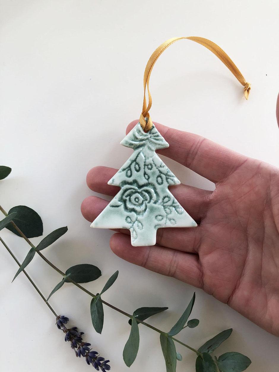 ceramic christmas tree tag