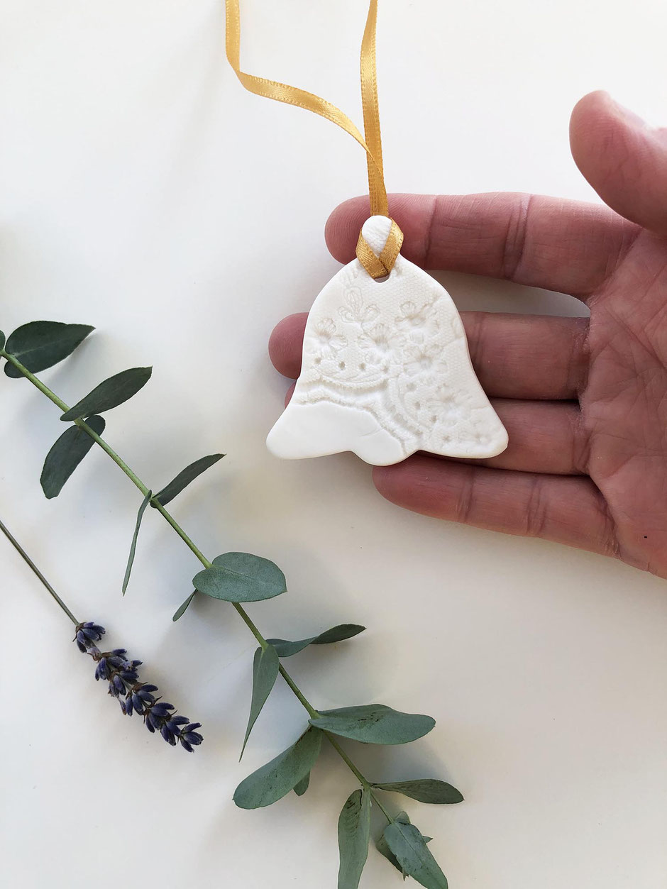 wedding bell gift tag