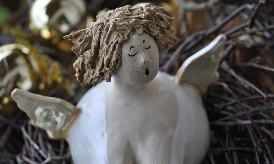 Engel aus Keramik - Weihnachtsgeschenk - Gartenkeramik