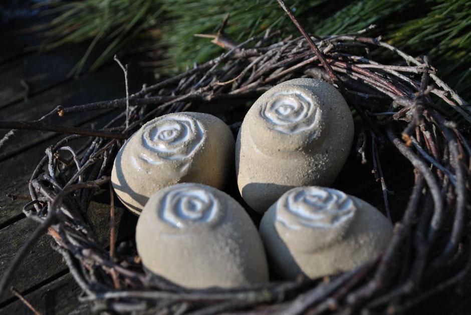 Ostereier aus Steinzeugkeramik Töpfern