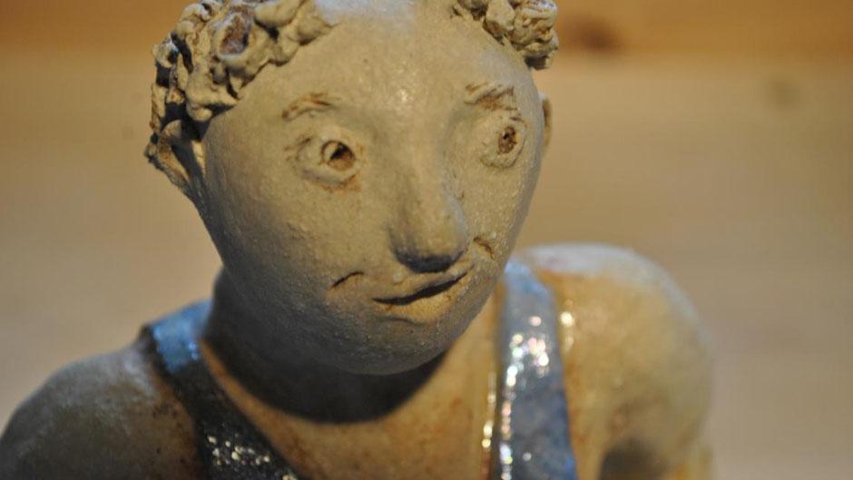 KUnsthandwerk - handgemachte Keramikfigur - frostsicher