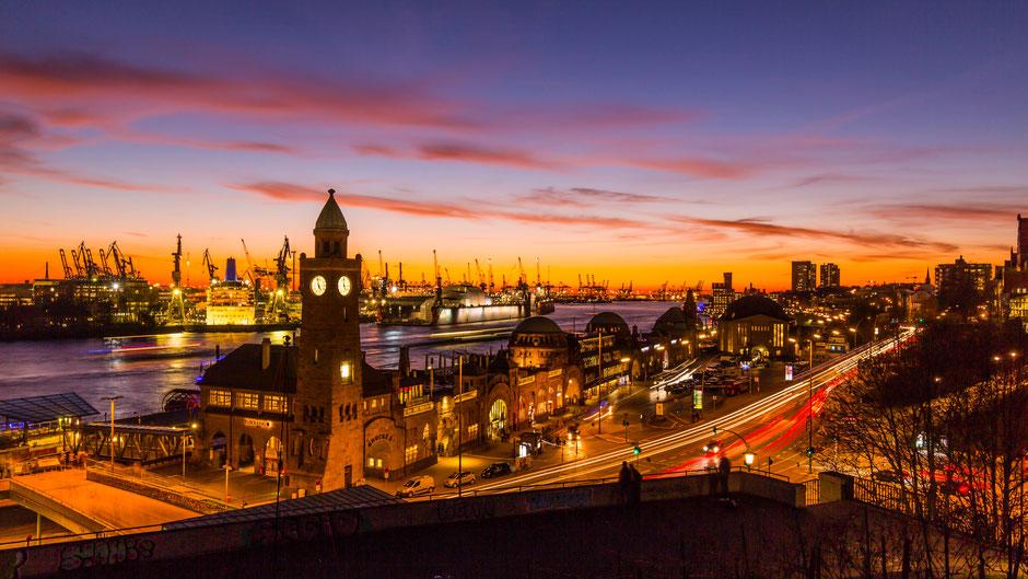 Hamburg, Stintfang, Klassiker, Blick auf die Landungsbrücken