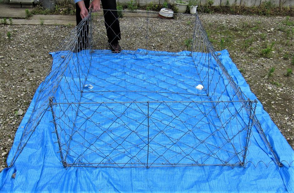 土砂崩れを自分で防ぐために、ふとんカゴがよく使用されます。その蛇籠を、写真付きで説明するページです。