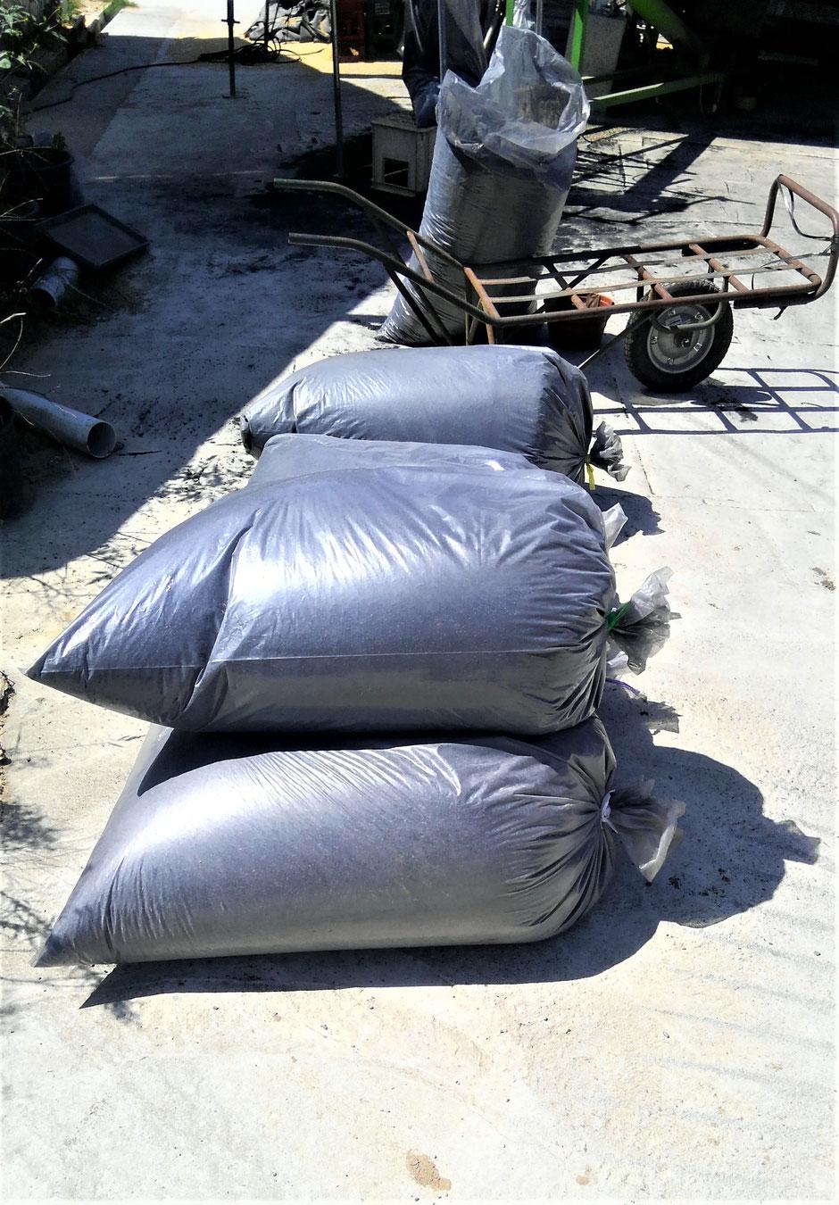 地産地消 自分お田んぼで取れたモミガラをくん炭にして販売する方法をご紹介