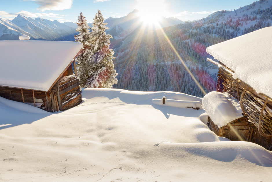 Ferienimmobilien im Zillertal Tirol SIMON IMMOBILIEN Berghütte Almhütte Skihütte Hütte mieten www.simon-realestate.com