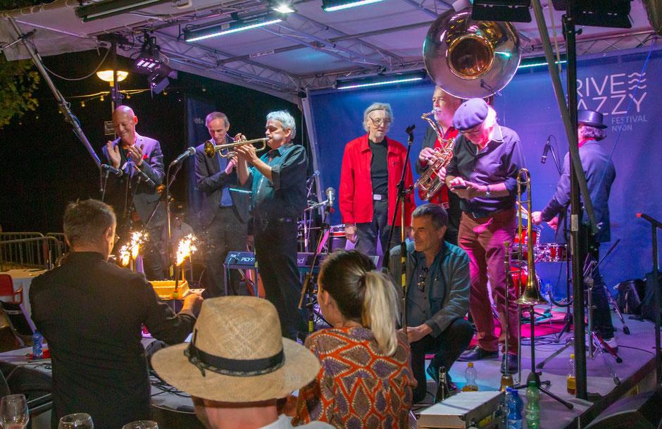 RIVE JAZZY NYON 2021 - Geburtstagstorte zum 40 jährigen Bühnenjubiläum
