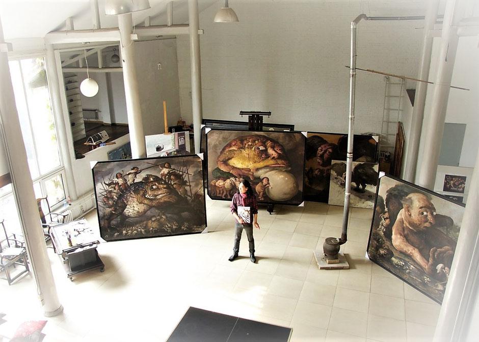 画家赵博(赵永勃)在他北京的工作室 (图片: Klaus Kiefer)