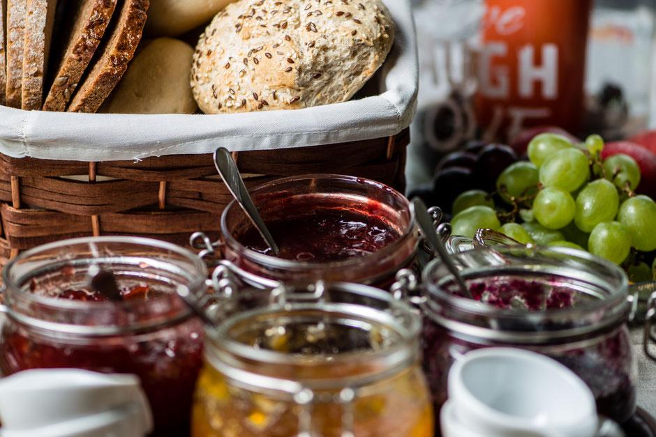 Hausgemachte Marmeladen dürfen auf unserem Frühstücksbuffet nicht fehlen