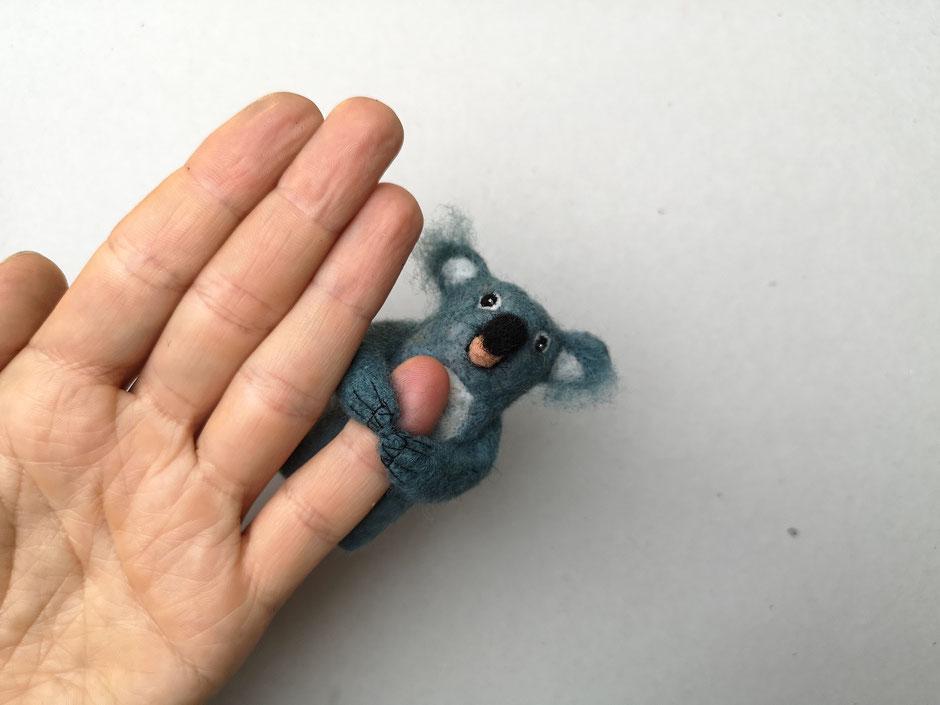 Fingerpuppe aus Wolle Koalabär