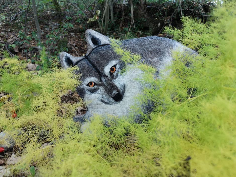 handgefilztes Kissen von Faserverbund, Wolf, 100% Wolle, Füllung: Kapok