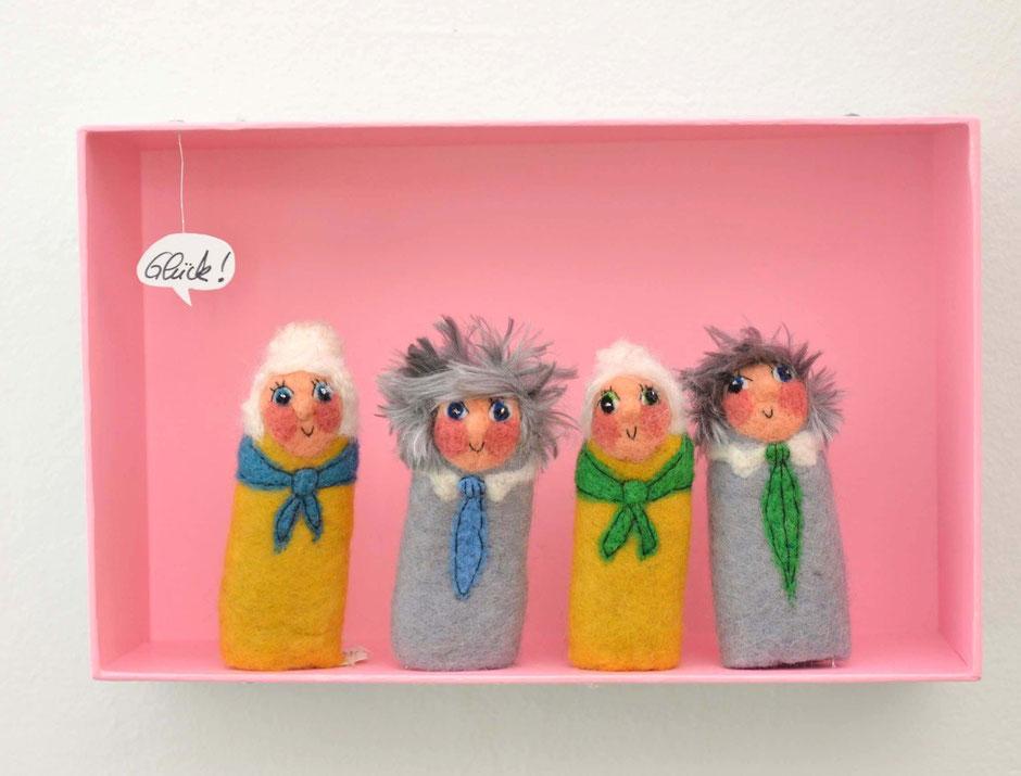 Fingerpuppenbox mit Omas und Opas