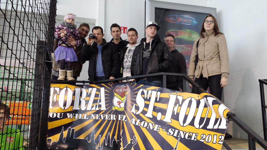 Die Foulis sind da: In Unterföhring feierte der neue Fouli-Banner seine Premiere.