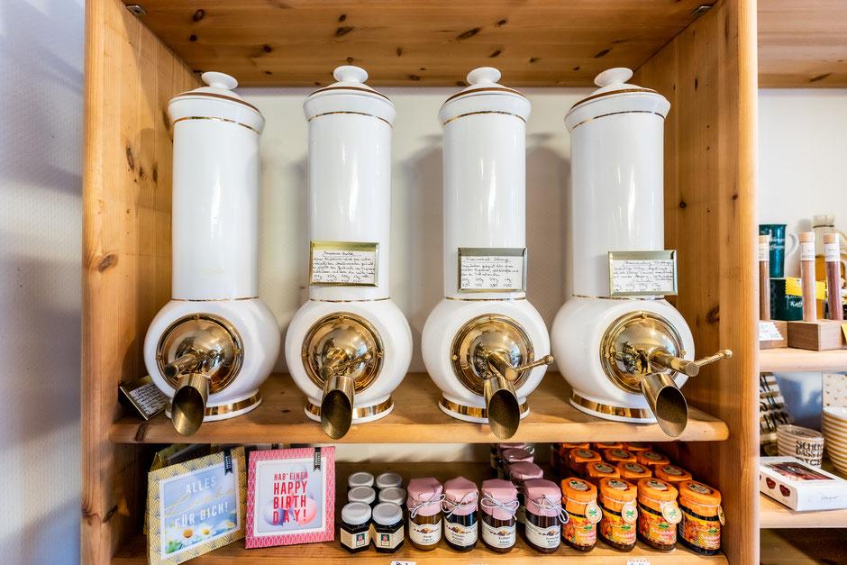 Kaffee / Hauseigene Mischung speziel für unser Wasser,  oder aromatisiert mit Spanish Caramell / weisser Schokolade / Bailey`s und Schoko Traum.