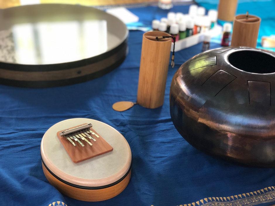 Sound Healing Klangmediation mit Sansula, Wave Drum, Koshi und Klangschalen