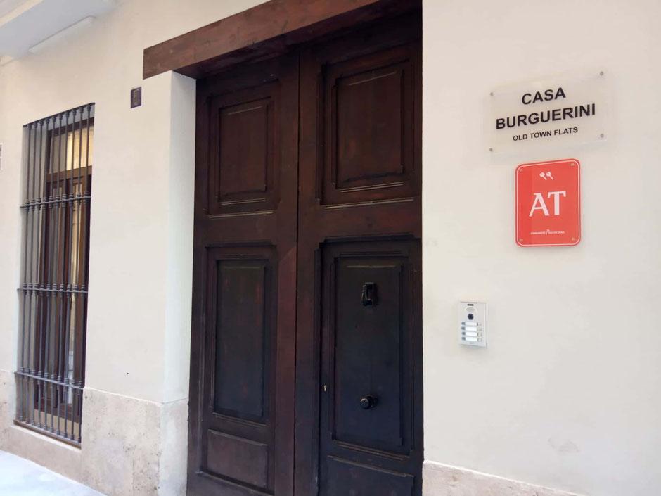 Entrada principal Casa Burguerini