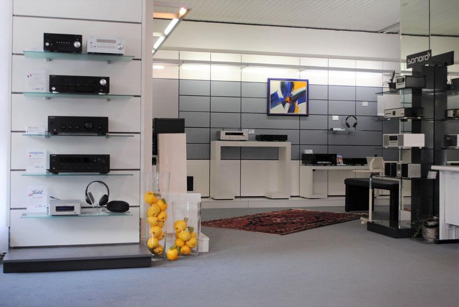 Lautsprecher, HiFi und Multiroom-Systeme mit smarten Lösungen genießen.