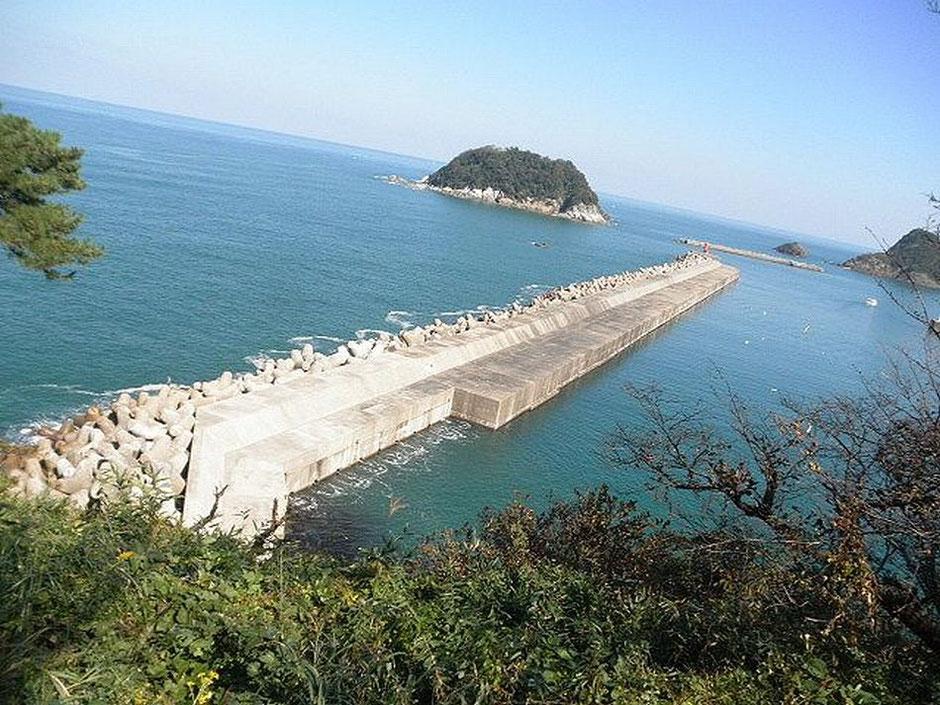香住周辺で一番大きな防波堤です。釣りのメッカです。