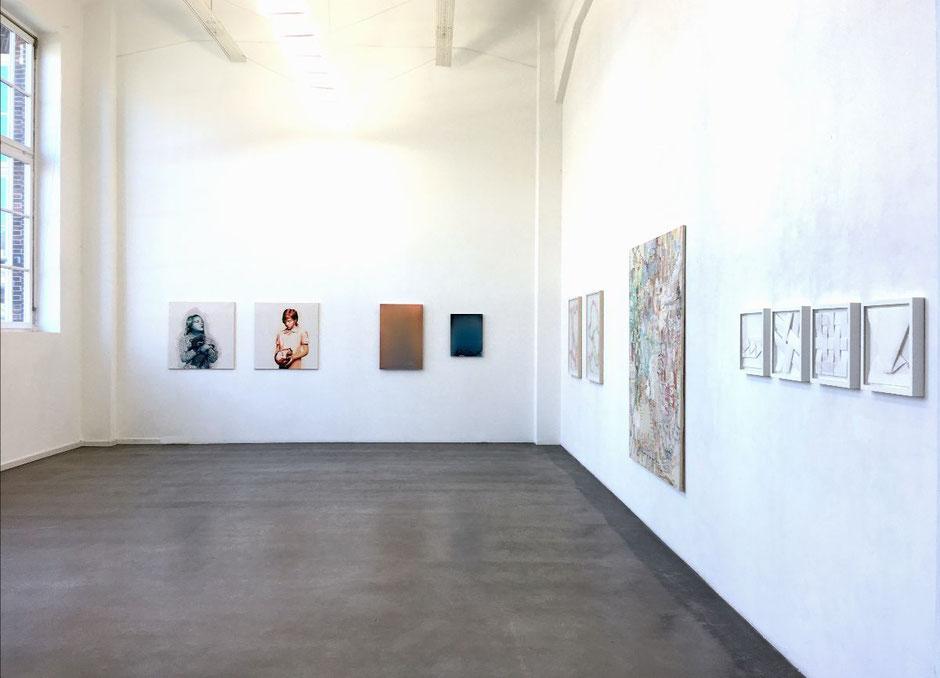 Blick in die Ausstellungsräume der Galerie Carolyn Heinz, Hamburg