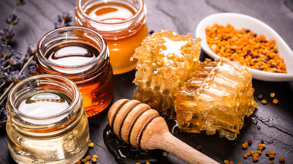 A picture of raw honey