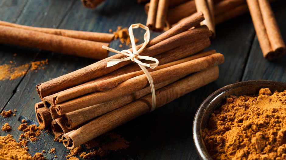Cinnamon sticks and cinnamon powder