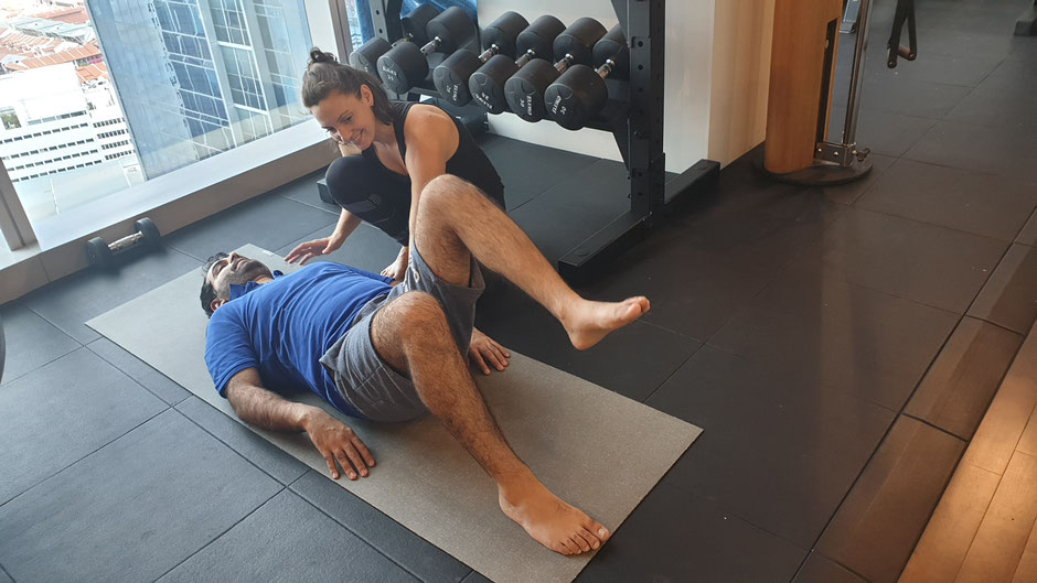 A corrective exercise coach can use simple exercises like dead bugs to calculate core activity