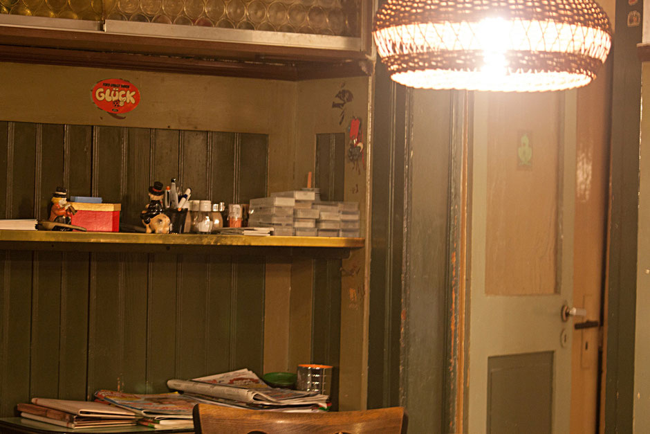 In der Waldhütte im Jahr 2012 – habe das Foto mit dem Handy gemacht, weil mein Fotoapparat kaputt ist