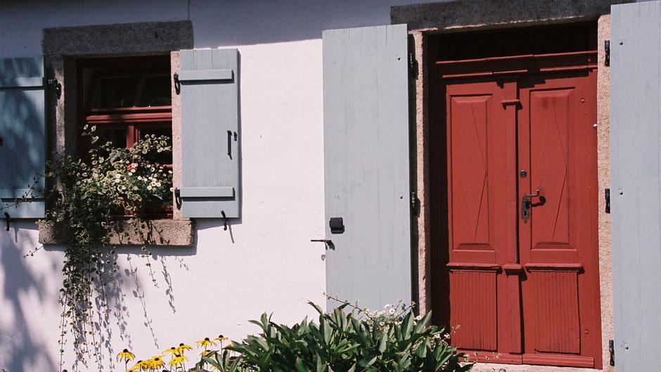 Haus in Reichenbach, ein Dörflein vor Nagel. Beide Orte liegen auf dem Jean-Paul-Weg.