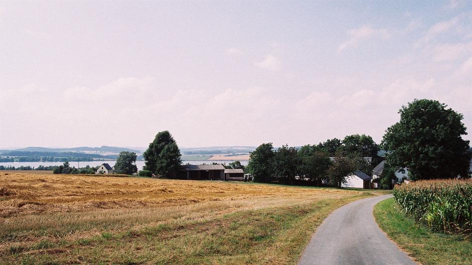 Auf dem Jean-Paul-Weg hinter Völkenreuth – Blick auf den Förmitzsee