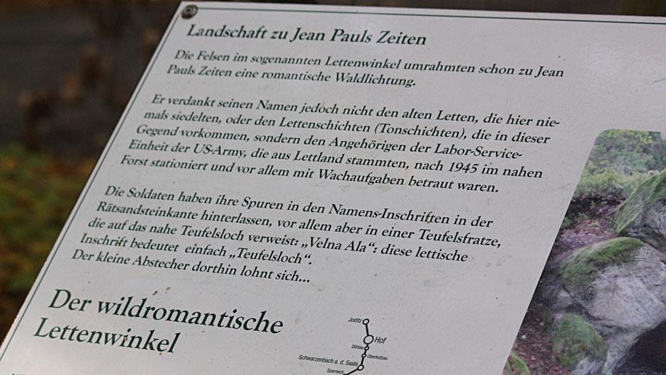 """Auf dem Jean-Paul-Weg, Landschaftstafel """"Der wildromantische Lettenwinkel"""" zwischen Teufelsloch und Waldhütte"""