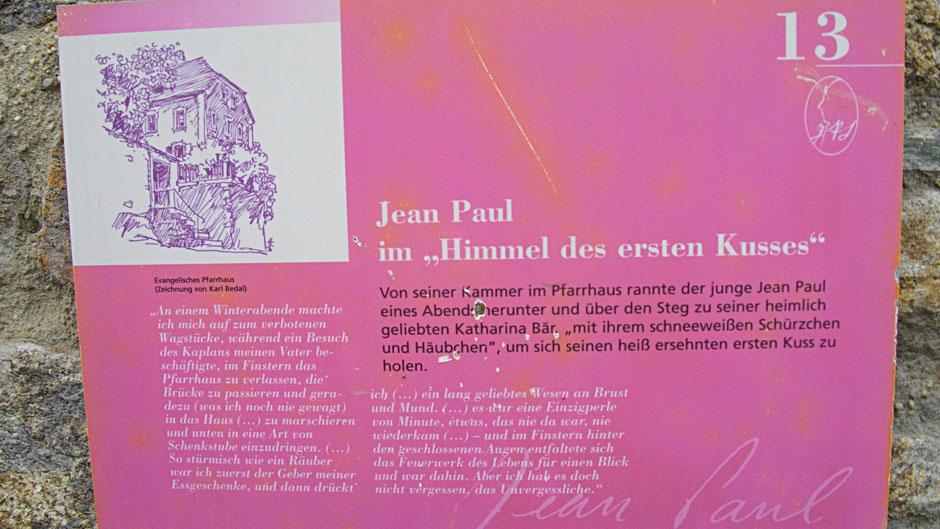"Schwarzenbacher Jean-Paul-Rundweg, Stationstafel 13 Jean Paul im ""Himmel des ersten Kusses"""