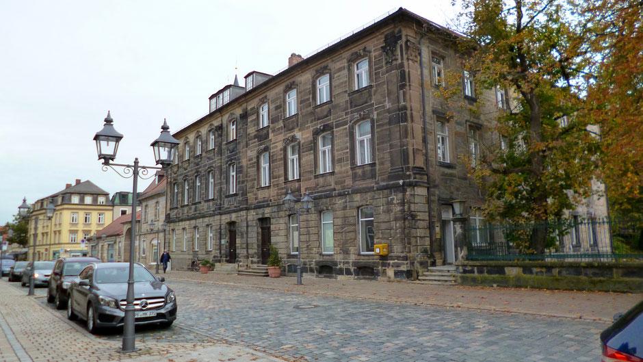 Bayreuth, Friedrichstraße 5, rechte Haushälfte. Im zweiten Stock wohnte Jean Paul von 1813 bis zu seinem Tod 1825.