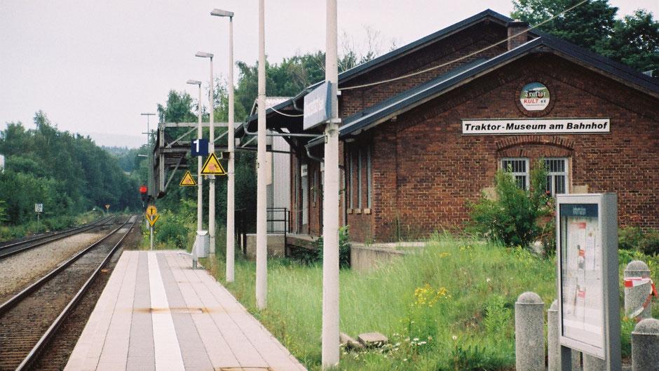 Schwarzenbach a.d. Saale. Traktormuseum am Bahnhof
