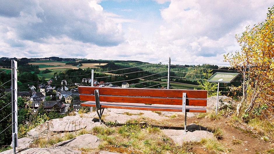 Auf dem Jean-Paul-Felsen oberhalb von Joditz