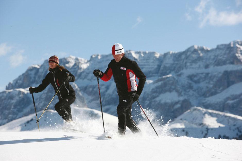 Sanfter Wintersport am Reschenpass bei Nauders im Vinschgau, Südtirol. Herrliche Aussichten in Ihrem Urlaub.