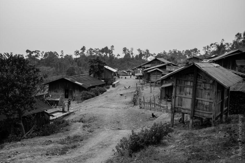 Akha Volk Bergvolk Laos Dorf