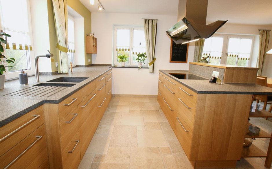 Küchenplanung, Küchenbau und Montage von der Schreinerei Wiedmann