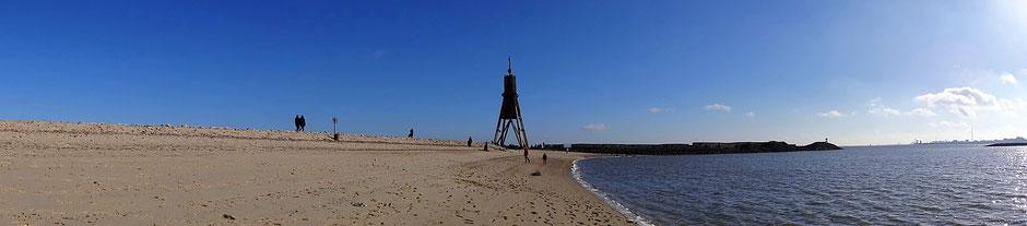Die Kugelbake von Cuxhaven mit dem Bauhafen