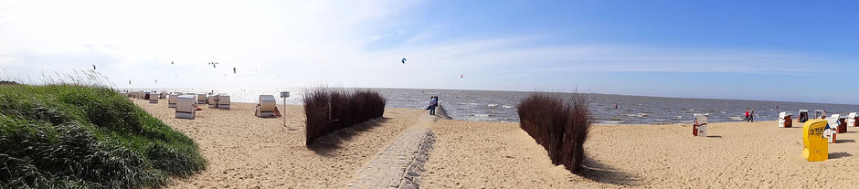 Der Strand mit Hundestrand von Sahlenburg