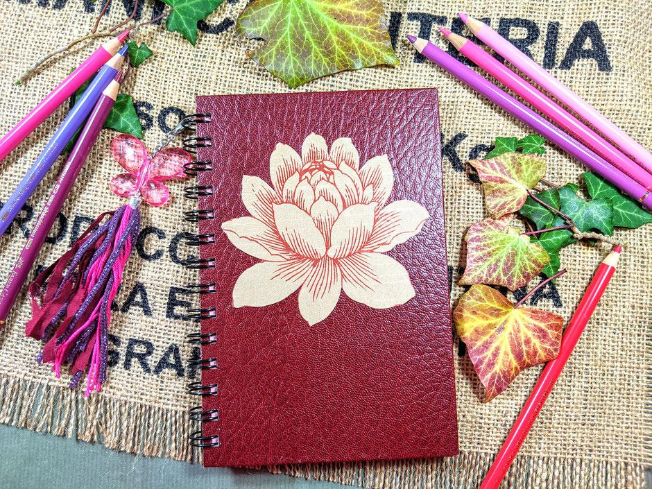 Handgefertigtes Tagebuch mit Blütenmotiv Ulli Verlag