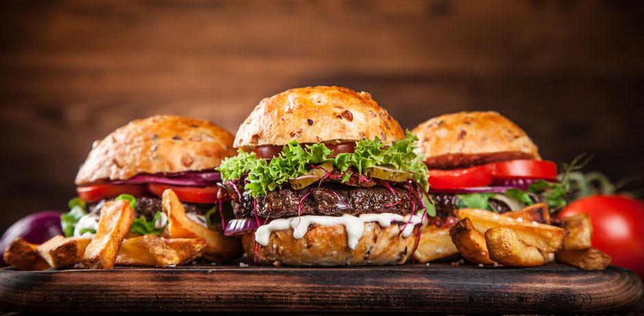 Ein paar saftige Hamburger