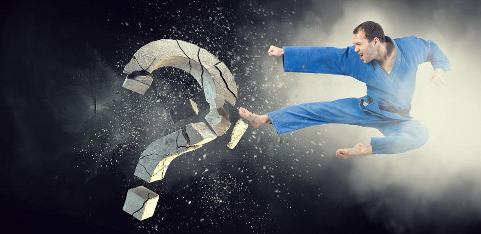 Karate-Mann - Hier werden die Fragen zum Thema Gicht beantwortet.