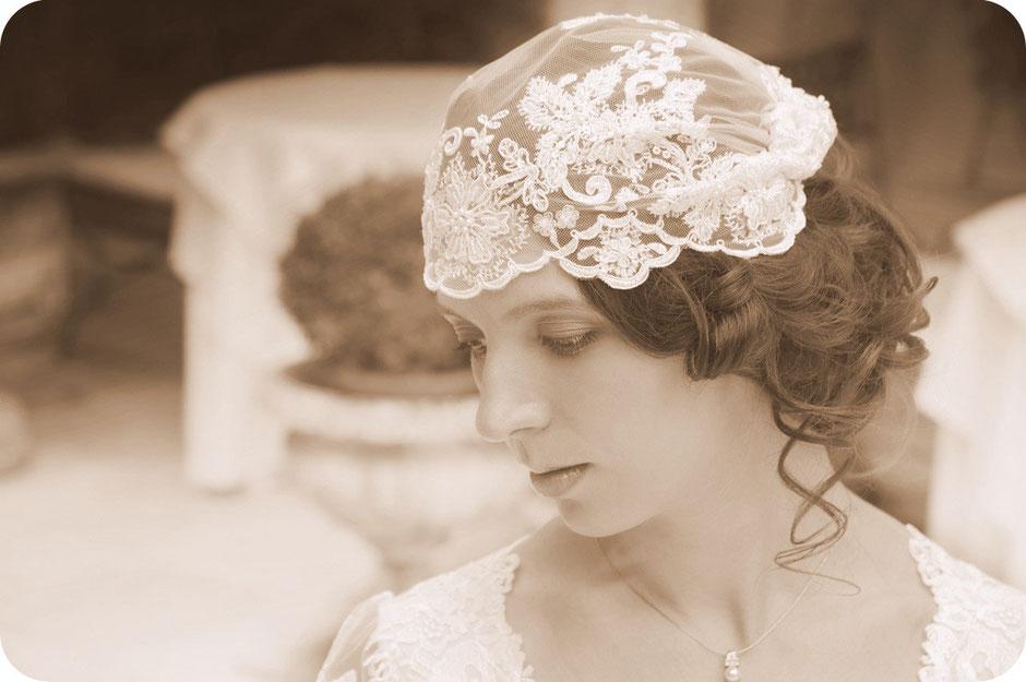 Braut Haarschmuck im 20er Jahre Stil 20ies Style Braut mit Braut-Cap 20er Brauthaarschmuck Kopfschmuck