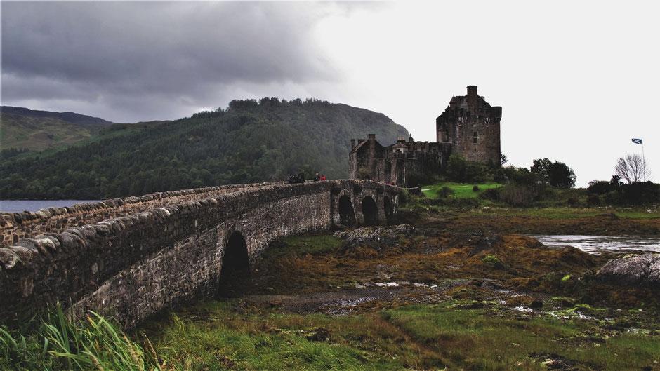 bigousteppes écosse château eilean donan castel route camion
